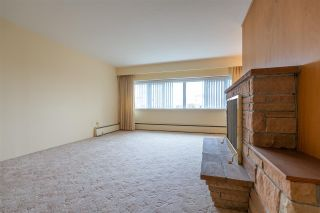 "Photo 6: 401 6026 TISDALL Street in Vancouver: Oakridge VW Condo for sale in ""OAKRIDGE TOWERS"" (Vancouver West)  : MLS®# R2496115"