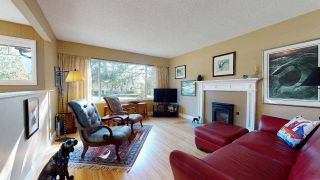 "Photo 3: 2363 THE Boulevard in Squamish: Garibaldi Highlands House for sale in ""GARIBALDI HIGHLANDS"" : MLS®# R2438264"