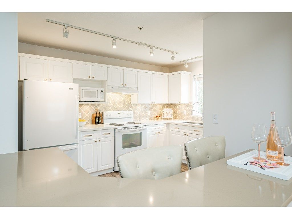 """Photo 13: Photos: 312 5568 201A Street in Langley: Langley City Condo for sale in """"Michaud Gardens"""" : MLS®# R2563265"""