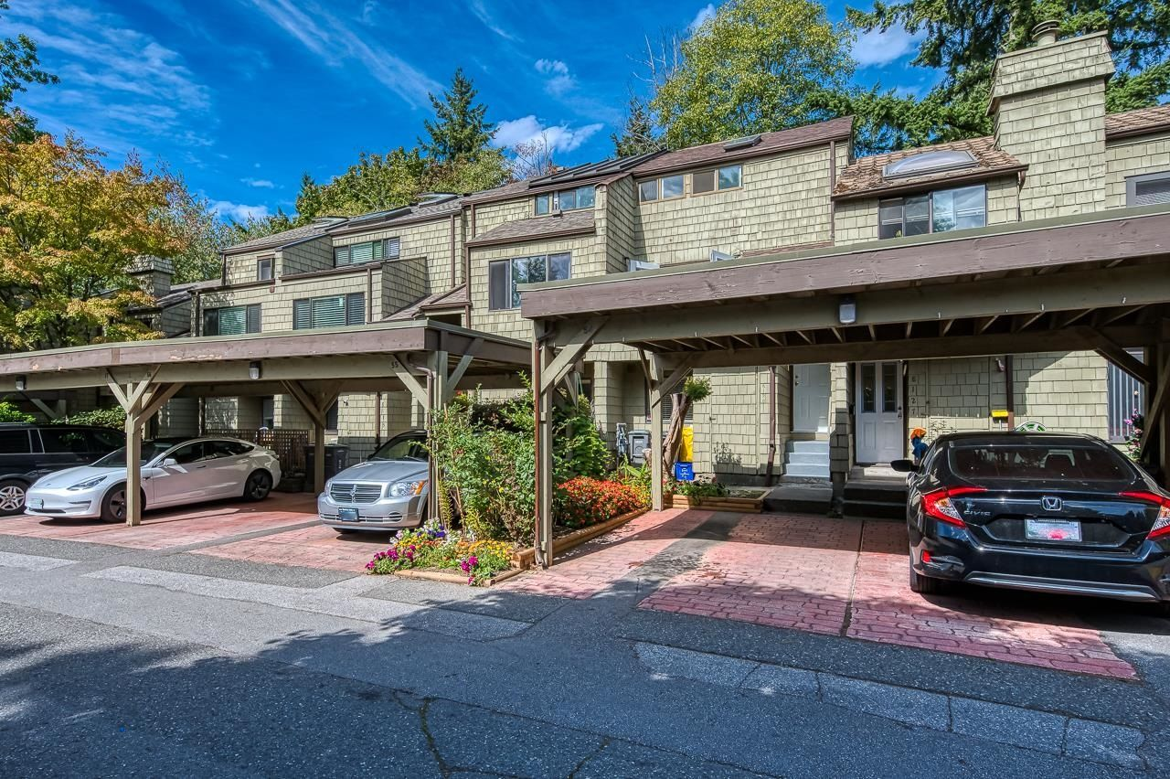 """Main Photo: 8123 LAVAL Place in Vancouver: Champlain Heights Townhouse for sale in """"CARTIER PLACE"""" (Vancouver East)  : MLS®# R2616645"""