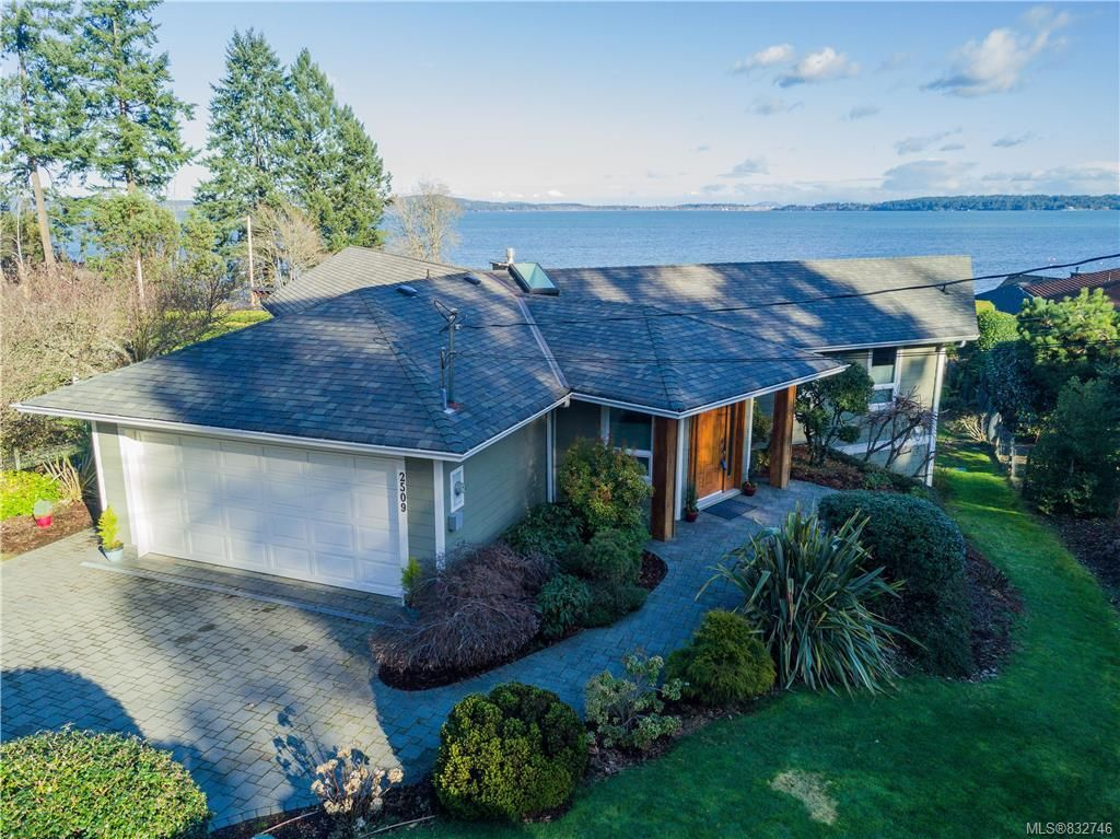 Main Photo: 2509 Mill Bay Rd in Mill Bay: ML Mill Bay House for sale (Malahat & Area)  : MLS®# 832746