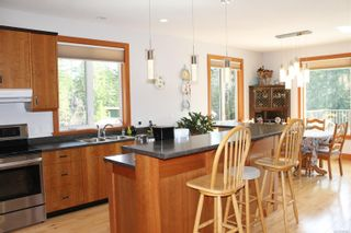 Photo 5: 5160 Cowichan Lake Rd in : Du West Duncan House for sale (Duncan)  : MLS®# 869501