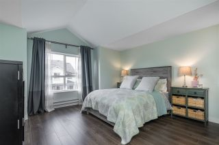 """Photo 22: 18638 65 Avenue in Surrey: Cloverdale BC Townhouse for sale in """"Ridgeway"""" (Cloverdale)  : MLS®# R2537328"""