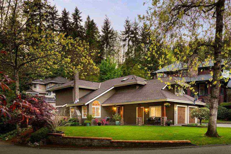 FEATURED LISTING: 3121 DUCHESS Avenue North Vancouver