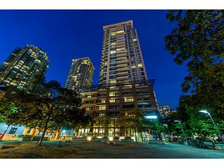 """Photo 3: 2604 977 MAINLAND Street in Vancouver: Yaletown Condo for sale in """"YALETOWN PARK III"""" (Vancouver West)  : MLS®# R2122379"""