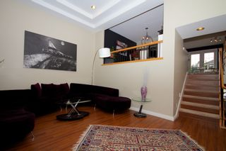 Photo 3: 5 1651 Parkway Boulevard in Coquitlam: Westwood Plateau Townhouse for sale : MLS®# R2028946
