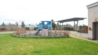 """Photo 13: 604 7328 ARCOLA Street in Burnaby: Highgate Condo for sale in """"ESPRIT 1"""" (Burnaby South)  : MLS®# V937065"""
