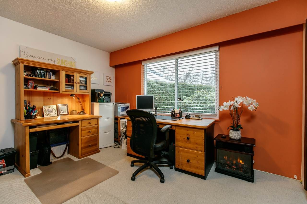 """Photo 11: Photos: 3168 E 63RD Avenue in Vancouver: Champlain Heights House for sale in """"CHAMPLAIN HEIGHTS"""" (Vancouver East)  : MLS®# R2027923"""