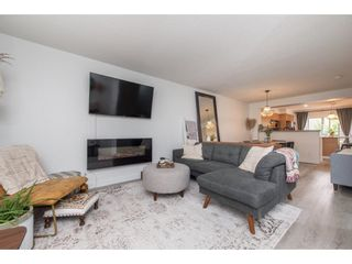 """Photo 5: 29 4401 BLAUSON Boulevard in Abbotsford: Abbotsford East Townhouse for sale in """"The Sage"""" : MLS®# R2621027"""