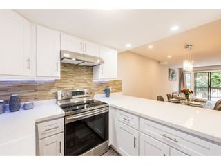 Photo 2: 6 7359 MONTECITO Drive in Burnaby: Montecito Townhouse for sale (Burnaby North)  : MLS®# R2253155