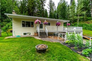 Photo 1: 3922 E KENWORTH Road in Prince George: Mount Alder House for sale (PG City North (Zone 73))  : MLS®# R2602587