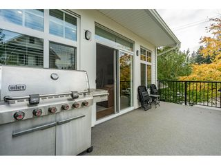 """Photo 22: 5 288 171 Street in Surrey: Pacific Douglas Townhouse for sale in """"Summerfield"""" (South Surrey White Rock)  : MLS®# R2508746"""