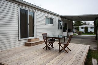 """Photo 18: 1 1840 160 Street in Surrey: King George Corridor Manufactured Home for sale in """"BREAKAWAY BAYS"""" (South Surrey White Rock)  : MLS®# R2041363"""