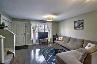 Photo 3: 161 Rainbow Falls Manor: Chestermere Row/Townhouse for sale : MLS®# A1083984