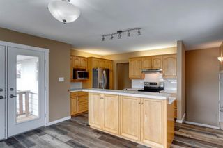 Photo 16: 2408 39 Street SE in Calgary: Forest Lawn Detached for sale : MLS®# A1114671