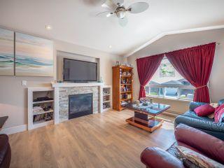 Photo 7: 6382 SAMRON Road in Sechelt: Sechelt District House for sale (Sunshine Coast)  : MLS®# R2532984