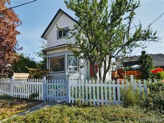 Photo 1: 736 Powderly Ave in VICTORIA: VW Victoria West House for sale (Victoria West)  : MLS®# 710596
