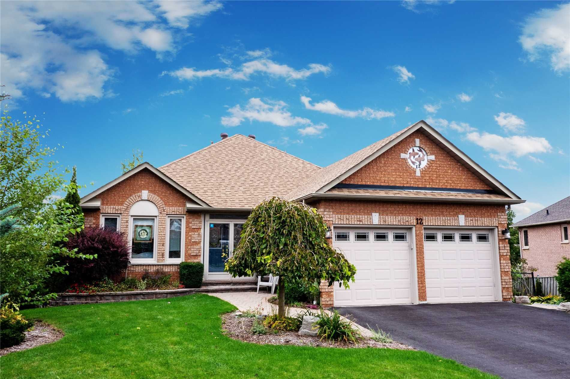 Main Photo: 12 Brand Court in Ajax: Central House (Bungalow) for sale : MLS®# E4462366