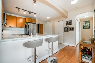 Photo 5: 302 7428 BYRNEPARK WALK in Burnaby: South Slope Condo for sale (Burnaby South)  : MLS®# R2458762