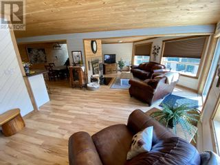 Photo 8: 5730 TIMOTHY LAKE ROAD in Lac La Hache: House for sale : MLS®# R2602397