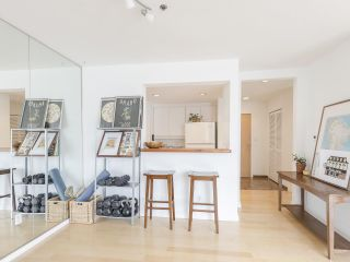 """Photo 14: 406 1551 MARINER Walk in Vancouver: False Creek Condo for sale in """"LAGOONS"""" (Vancouver West)  : MLS®# R2548149"""