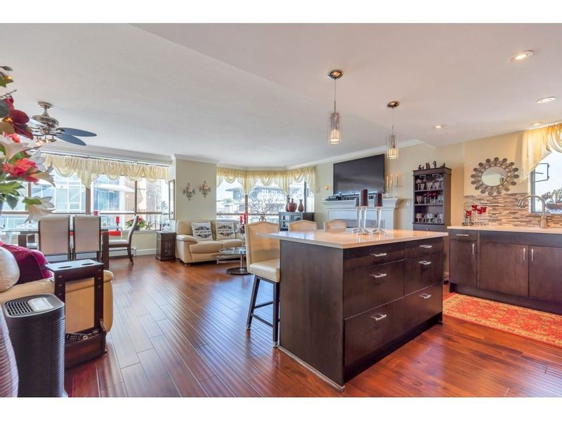 FEATURED LISTING: 801 - 15111 RUSSELL Avenue White Rock