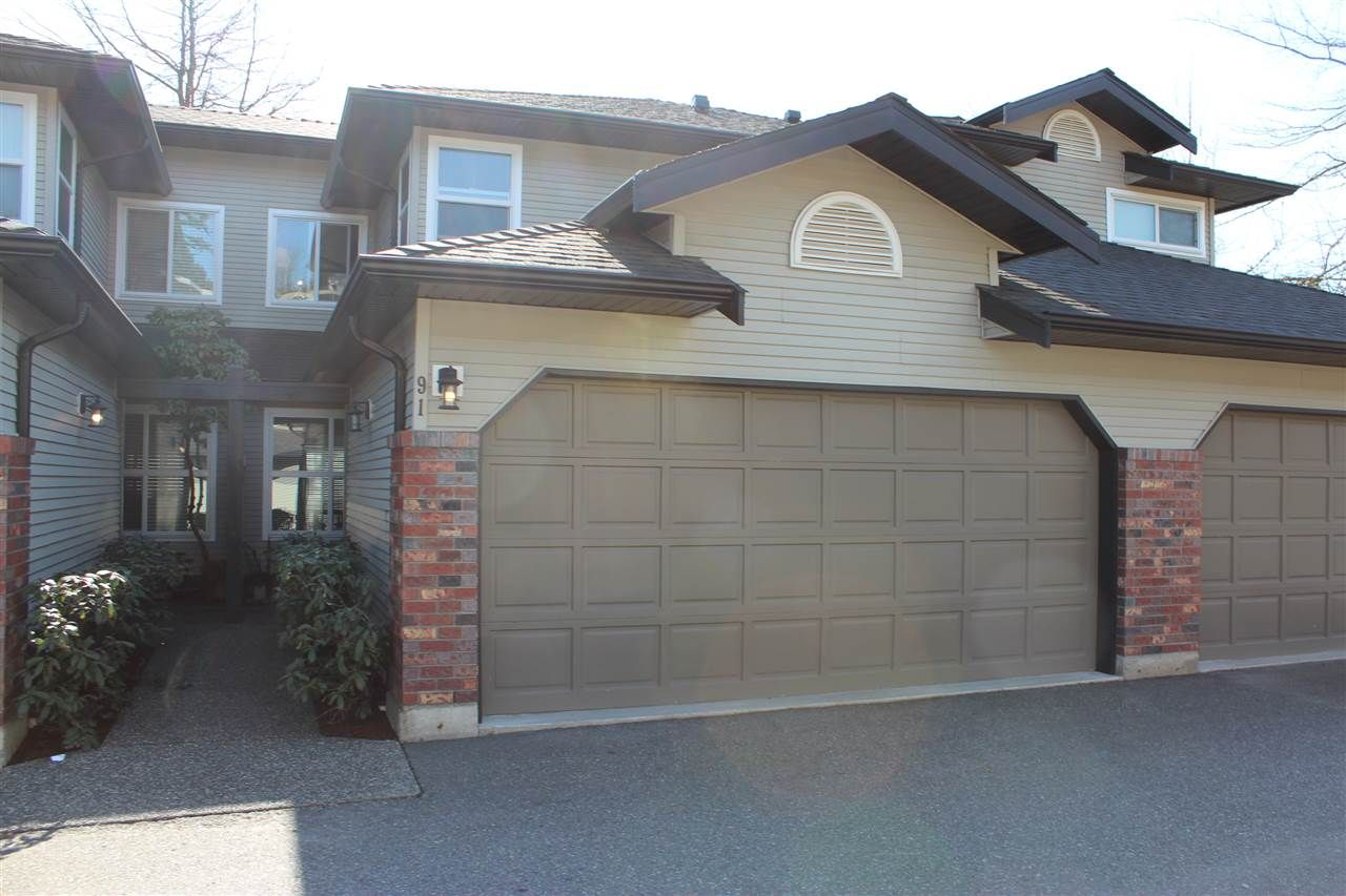 """Main Photo: 91 36060 OLD YALE Road in Abbotsford: Abbotsford East Townhouse for sale in """"Mountain View"""" : MLS®# R2549641"""