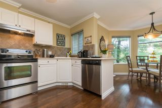 """Photo 5: 516 13900 HYLAND Road in Surrey: East Newton Townhouse for sale in """"HYLAND GROVE"""" : MLS®# R2294948"""