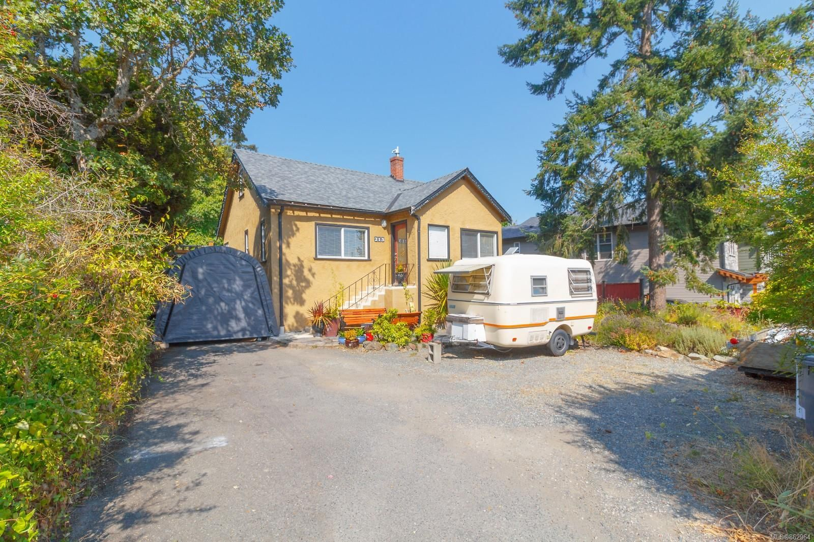 Main Photo: 213 Helmcken Rd in : VR View Royal House for sale (View Royal)  : MLS®# 862964