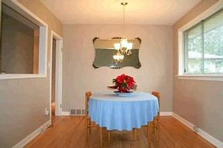 Photo 2: 7 GALSWORTHY DR: Freehold for sale : MLS®# N1039241