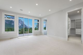 Photo 16: 2204 WINDSAIL PLACE in Squamish: Plateau House for sale : MLS®# R2464154