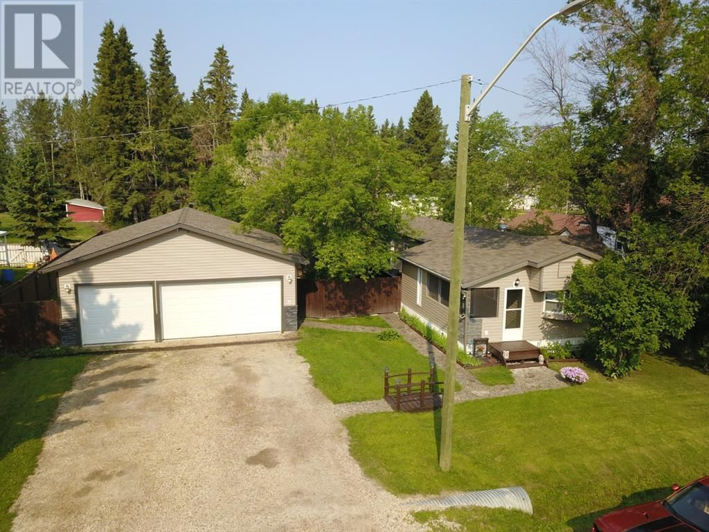 Main Photo: 5238/42 48 Street in Mayerthorpe: House for sale : MLS®# A1134539
