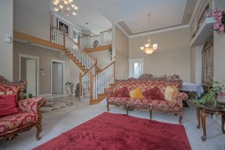 Photo 2: 7263 145 Street in Surrey: East Newton House for sale : MLS®# R2442963