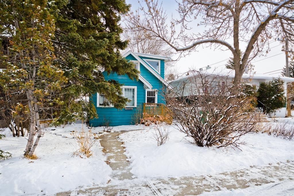Main Photo: 3304 3 Street NW in Calgary: Highland Park Detached for sale : MLS®# A1066962