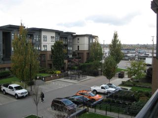 "Photo 19: 301 20078 FRASER Highway in Langley: Langley City Condo for sale in ""Varsity"" : MLS®# R2510892"
