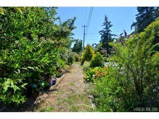 Photo 18: 318 Uganda Ave in VICTORIA: Es Kinsmen Park Half Duplex for sale (Esquimalt)  : MLS®# 738139