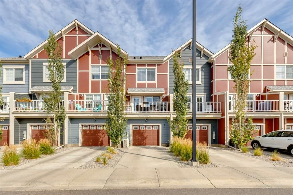 Main Photo: 10 Marquis Lane SE in Calgary: Mahogany Row/Townhouse for sale : MLS®# A1142989