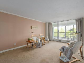 """Photo 3: 801 550 EIGHTH Street in New Westminster: Uptown NW Condo for sale in """"PARKRIDGE"""" : MLS®# R2402744"""