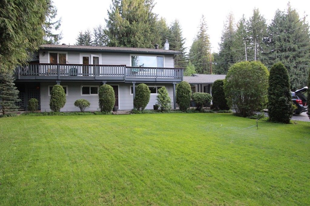 Main Photo: 2492 Forest Drive: Blind Bay House for sale (Shuswap)  : MLS®# 10115523