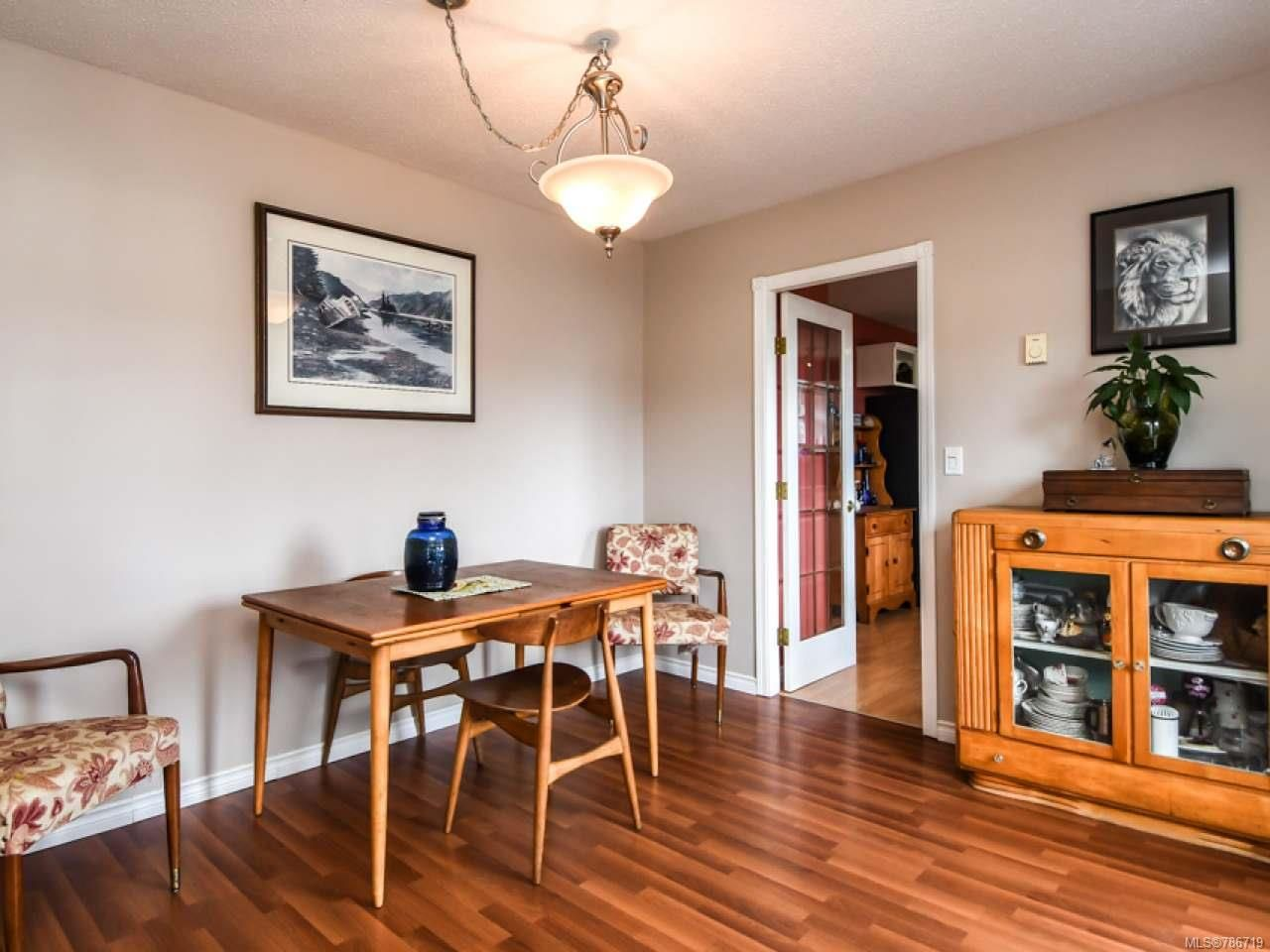 Photo 11: Photos: 1234 Denis Rd in CAMPBELL RIVER: CR Campbell River Central House for sale (Campbell River)  : MLS®# 786719