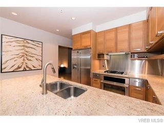Photo 8: 107 365 Waterfront Cres in VICTORIA: Vi Rock Bay Condo for sale (Victoria)  : MLS®# 745023