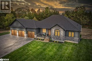 Main Photo: 34 CHESLOCK Crescent in Oro-Medonte: House for sale : MLS®# 40178248