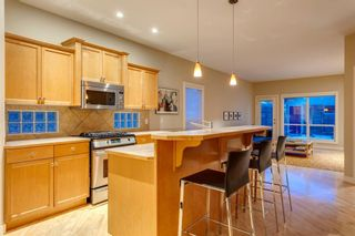 Photo 11: 810 21 Avenue NW in Calgary: Mount Pleasant Detached for sale : MLS®# A1016102
