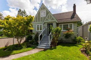 """Photo 1: 2706 W 41ST Avenue in Vancouver: Kerrisdale House for sale in """"Kerrisdale"""" (Vancouver West)  : MLS®# R2583541"""