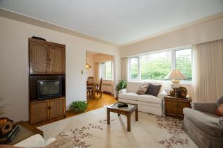 """Photo 6: 9 2296 W 39TH Avenue in Vancouver: Kerrisdale Condo for sale in """"KERRISDALE CREST"""" (Vancouver West)  : MLS®# R2620694"""