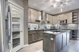 Photo 9: 52 31 Avenue SW in Calgary: Erlton Detached for sale : MLS®# A1112275