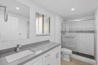 Photo 14: LA JOLLA Condo for sale : 1 bedrooms : 8362 Via Sonoma #C