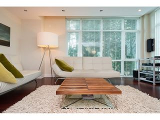 """Photo 4: 202 14824 NORTH BLUFF Road: White Rock Condo for sale in """"The Belaire"""" (South Surrey White Rock)  : MLS®# R2405927"""