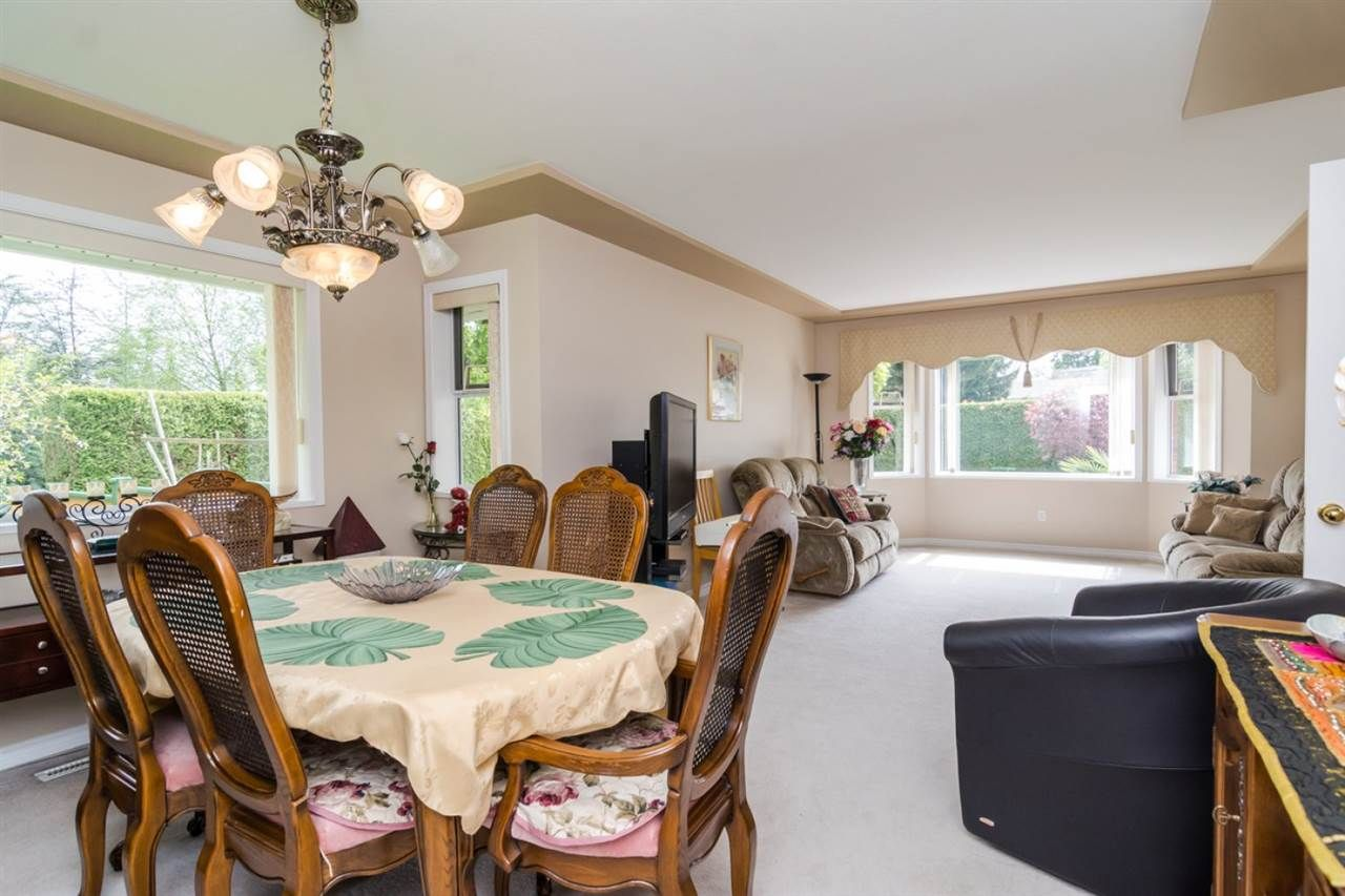 Photo 4: Photos: 15883 108TH Avenue in Surrey: Fraser Heights House for sale (North Surrey)  : MLS®# R2118938