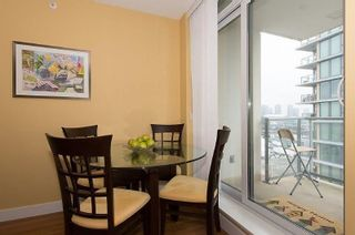 """Photo 4: 805 1833 CROWE Street in Vancouver: False Creek Condo for sale in """"THE FOUNDRY"""" (Vancouver West)  : MLS®# R2120097"""